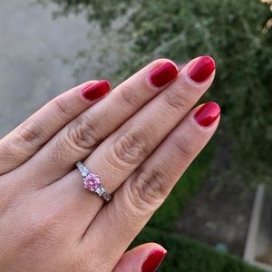 NWOT faux engagement ring tristone pink